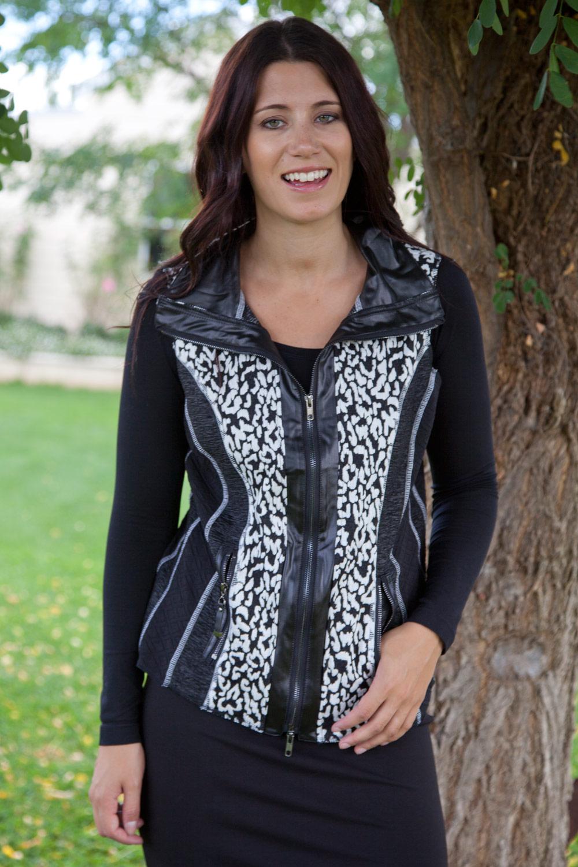 Clarity By Threadz Multi Textured Zip Front Vest