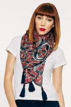 Boo scarf s15  batikred small2