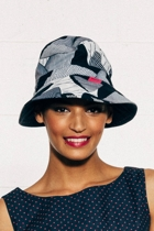 Revesible nrarrow brim hat africnavy small2
