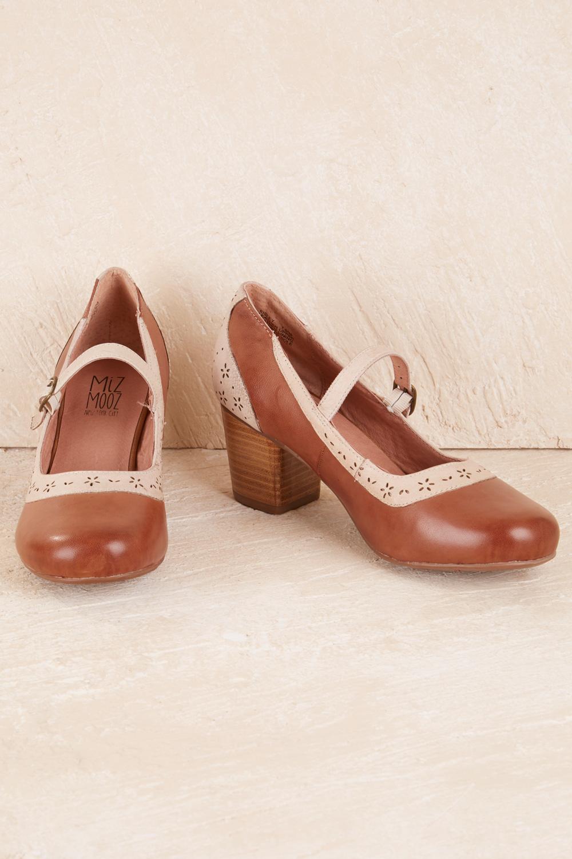Vintage Style Shoes, Vintage Inspired Shoes Eilsey Heel AUD 145.00 AT vintagedancer.com