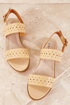 Wal laura  sand small2
